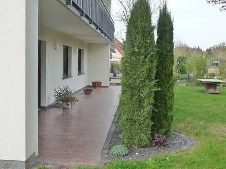 GANESHA-IMMOBILIEN...großzügige Erdgeschoss Wohnung mit tollem Garten zu vermieten !
