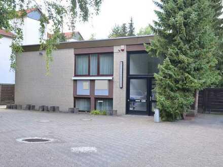 Praxis- und/oder Büroflächen mit Blick ins Grüne zu verkaufen