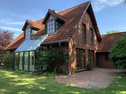 Ruhiges und lichtdurchflutetes Einfamilienhaus in Neukrug