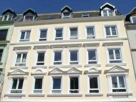 Vollständig renovierte 2,5-Zimmer-Wohnung mit EBK in Flensburg