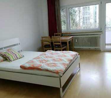 Stilvolle, gepflegte 1-Zimmer-Wohnung mit Balkon und Einbauküche in Sindelfingen