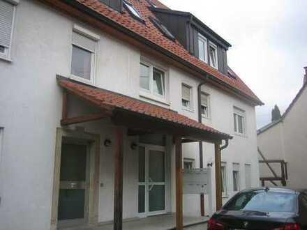 Schöne, gepflegte 1,5-Zimmer-EG-Wohnung zur Miete in Esslingen (Kreis)