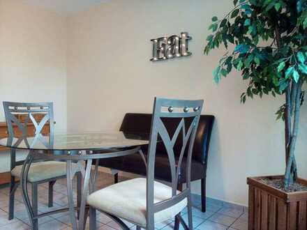 Nettes 12 m² Zimmer in 3er WG zu vergeben