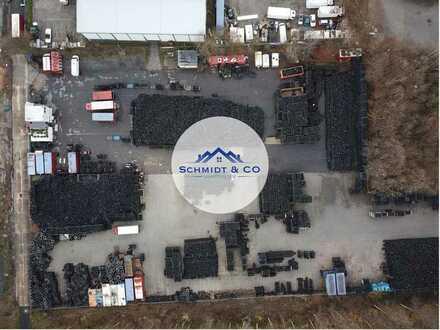 6.000qm asphaltierte Freifläche // Schmidt & Co. Immobilien