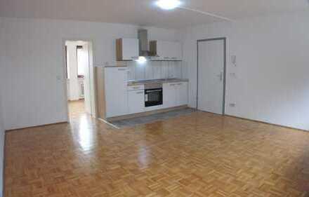 Stilvolle, vollständig renovierte 2-Zimmer-Wohnung mit Marmorbad und EBK in Kipfenberg