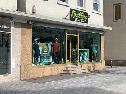 Attraktives Ladengeschäft im Reutlinger Zentrum - direkt am Weibermarkt gegenüber der Marienkirche