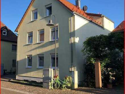 Ideale 2ZKB Wohnung + Balkon + Einbauküche in Roschbach