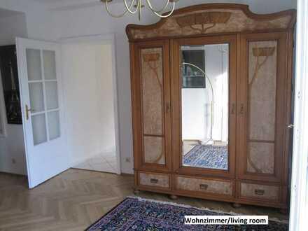 Exklusive, sanierte 3-Zimmer-Wg mit Balkon u. EBK in Villa in HD