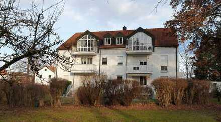Kleine 2-Zimmer-Wohnung mit Balkon ins Grüne in zentraler Lage von Ottobrunn