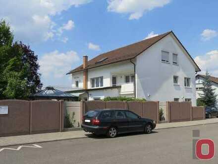 Sehr gepflegtes Mehrfamilienhaus mit 4 Wohnungen und Garage