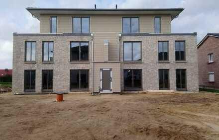 Erstbezug mit Einbauküche und Terasse: schöne 3-Zimmer-EG-Wohnung in Husum