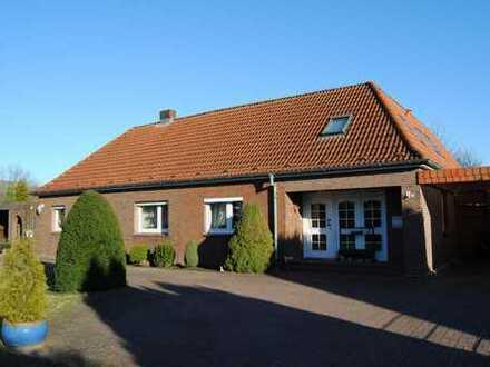 Mehrgenerationen Doppelhaus sucht neuen Hausherren!
