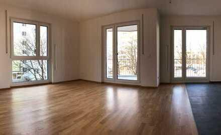 Erstbezug mit großem Balkon: sonnige 3-Zimmer-Wohnung von privat in Augsburg-Neusäß