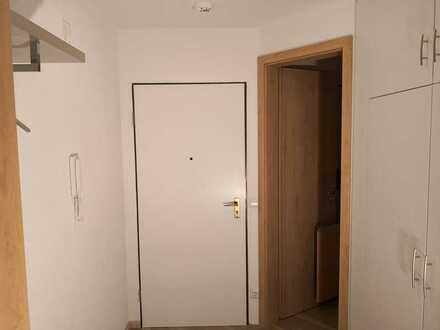 Stilvolle, vollständig renovierte 2,5-Zimmer-Wohnung mit Balkon und EBK in Pforzheim