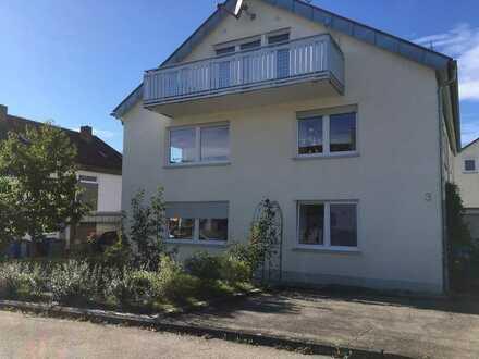 Lichtdurchflutete 3-Zimmer-Wohnung mit herrlichem Balkon am schönen Mittelberg