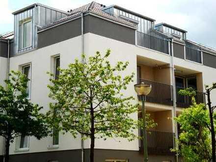 Für Kurzentschlossene! 4 Zimmer Wohnung mit Terrasse und Gartenanteil