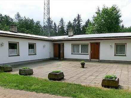 Auf dem Klosterberg - Immobilie mit bewegter Historie sucht neue Besitzer!