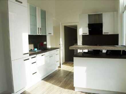 Sanierte 5-Zimmer-Wohnung mit Balkon in Oldenburg (Oldenburg) Innenstadtnähe