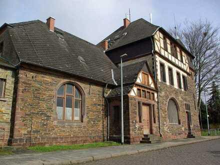 Dachgeschosswohnung im Bahnhof in Hetzerath zu vermieten.