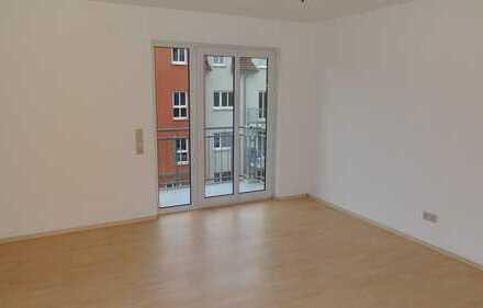 Innenliegende 2,5 Zimmer mit zwei Balkonen!