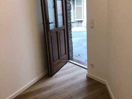 Ein Traum für Zwei! Erstbezug nach Sanierung /3 Zimmer Haus in der 2 Reihe -ruhig
