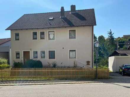 Zweifamilienhaus im naturnah gelegenen Hohenfels sucht neuen Eigentümer!