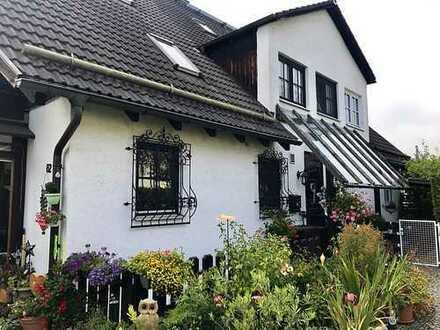 Quattrohaus in Puchheim mit Einliegerwohnung