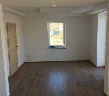 700 €, 95 m², 3 Zimmer