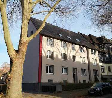 Sehr schöne, ruhig gelegene 4 Zimmer Wohnung in Stadtparknähe !