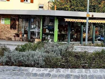 Zentral gelegener freistehender eingeschossiger Blumenladen zur Vermietung/Verpachtung