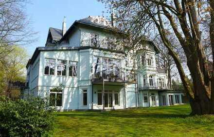 Moderne, ebenerdige Wohnung mit eigenem Eingang im Bergedorfer Villenviertel