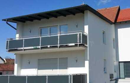 Schöne 4-Zimmer-Wohnung mit Balkon im 1. OG in Poppenricht, Privat oder gewerblich