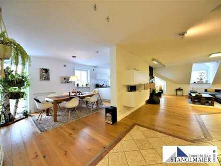 DACHTERRASSE UND GARTEN AM MONIBERG! 3,5 Zimmer Dachterrassen-Maisonette-Wohnung mit Stil und Charm