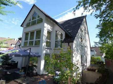 Freistehendes XXL-Einfamilienhaus*Wohnen und Arbeiten unter einem Dach*Lässt keine Wünsche offen!