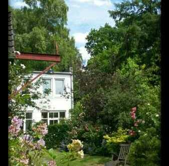 Hinterhaus in Fuhlsbüttel mit verwunschenem Garten