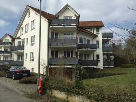 Exklusive, neuwertige 2-Zimmer-Wohnung mit Balkon und EBK in Markelfingen