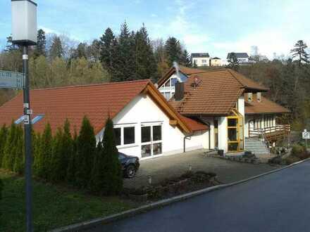 Hochwertiges Wohn- und Geschäftshaus in Top Lage