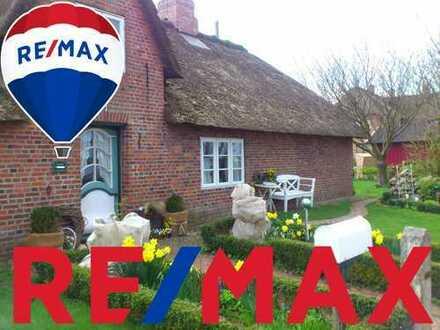 Träume werden wahr! Friesenhaus mit angrenzendem Gästehaus (inkl. 8 Ferienwohnungen) unter Reet