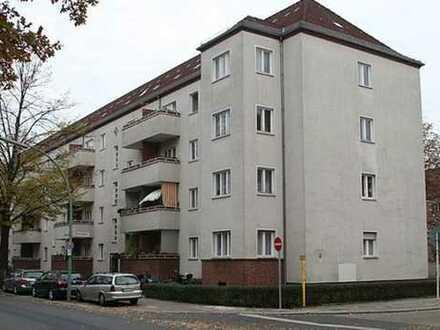 Vermietete Wohnung mit Balkon ++ attraktive Kapitalanlage in Spandau