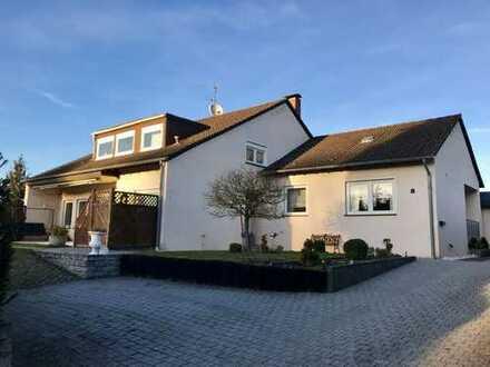 Wunderschönes Wohnhaus mit traumhaftem Garten in bester Lage in Bitburg-Stahl!