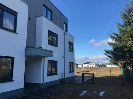 Erstbezug: 2-Zimmer-Souterrain-Wohnung in Euskirchen mit gehobener Ausstattung und Garten