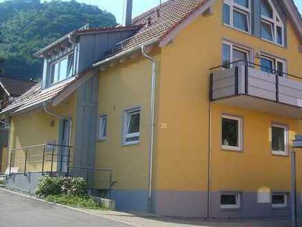 Gepflegte 4,5-Zimmer-Maisonette-Wohnung mit Balkon und EBK in Gosbach