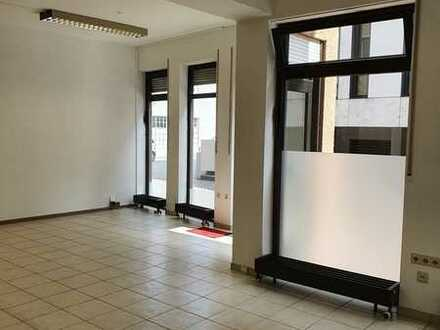 Helle und moderne Büro-/Praxis-/Ladenflächen in Winnenden zu vermieten