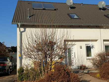 Schöne neuwertige Doppelhaushälfte in Hanau (Anzahl Zimmer erweiterbar)