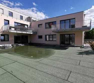 Exklusive moderne - 4-Zi.-Wohnung mit Sonnenbalkon