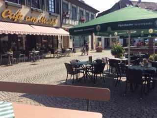 Alteingessesens Café in der malerischen Altstadt von Gernsbach