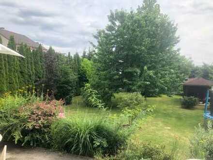 Freistehendes Renditeobjekt in ruhiger Wohnlage großer Garten, Sonne satt da Südausrichtung