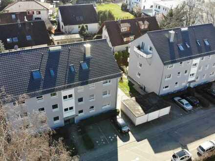 freie, helle, renovierte 3-Zi. Wohnung im DG, modernisiert mit neuem Balkon!