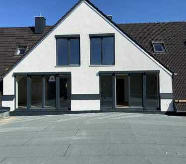 Wunderschöne Dach Maisonette. inkl. Einbauküche mit Terrasse. WHG 6