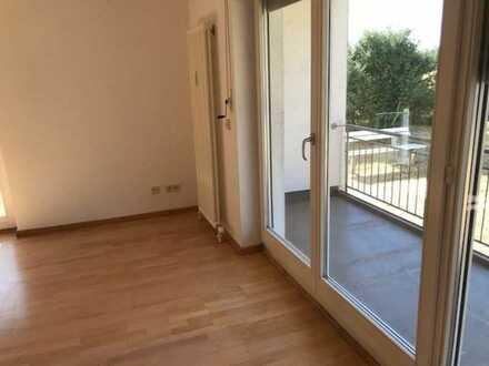 Wunderschöne helle und geräumige 2-Zimmer-Wohnung im EG mit großem Balkon, vermietet
